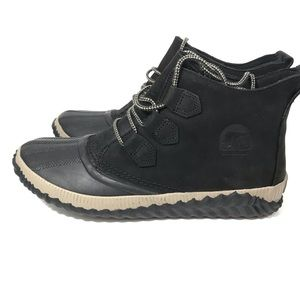 SOREL Out n About Plus Booties Suede 9.5